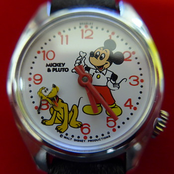 1983 Mickey & Pluto (animated head) Wristwatch - Wristwatches