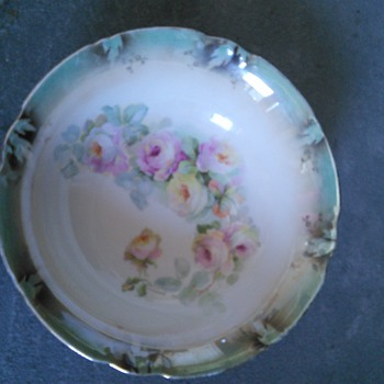 need help identifying and finding the rest of this set - China and Dinnerware