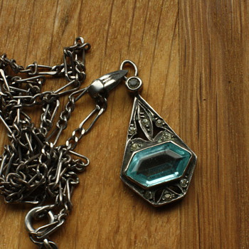 Art Deco silver and blue stone pendant - Fine Jewelry
