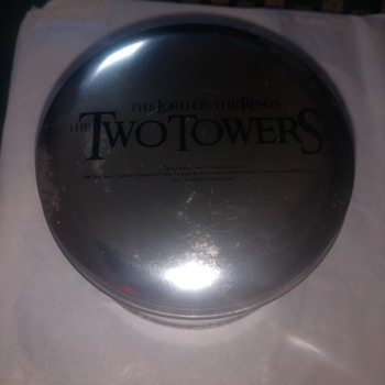Lord of the Rings, The Twin Towers, Wrist watch battery operated, unused new in its original tin. - Wristwatches