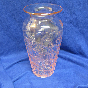 """Modern Margies Garden Pink Opalescent? Threaded Vase 11.5"""""""
