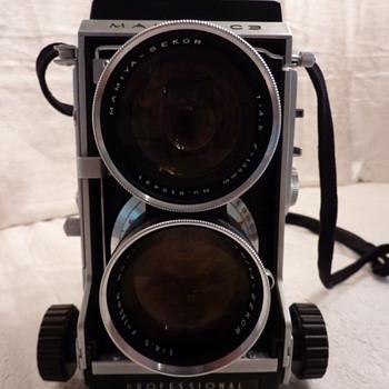 Mamiya C3 - Cameras