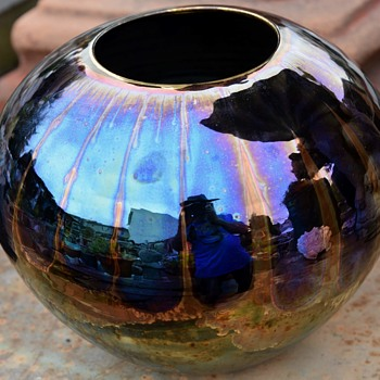 Large Bruce Fairman Ovoid Pottery in a Metallic Sheen - Pottery