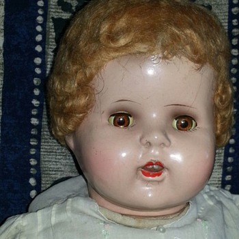 Identify this doll with no marks