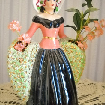 Vintage Lady Planter - Pottery