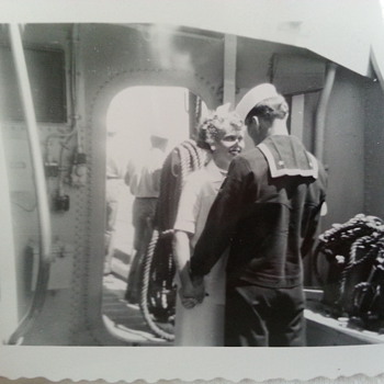 """WWII snapshot U.S. NAVY Sailor & Sweetheart """"Never Say Goodbye"""" - Military and Wartime"""