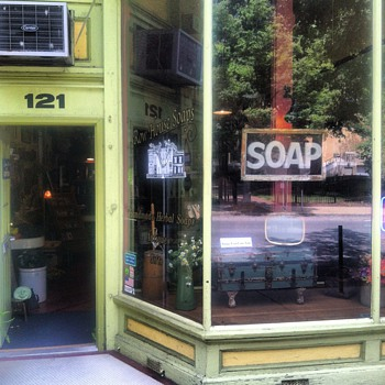 Row House Soaps - Tools and Hardware
