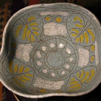 Italian Midcentury Bowl - Pottery
