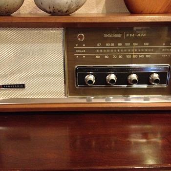 Panasonic AM/FM - Mid-Century Modern