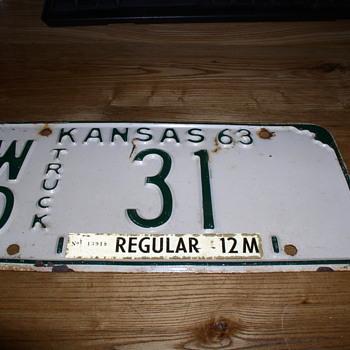 WO KANSAS 31  TRUCK - Classic Cars