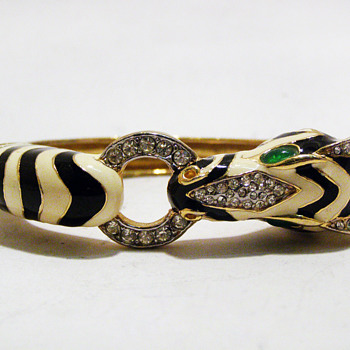 Vintage Ciner Enamel Zebra Bangle