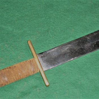 bowie like knife