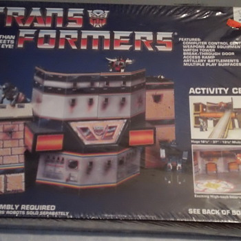 VINTAGE TRANSFORMERS ACTIVITY CENTER FACTORY SEAL MINT CONDITION