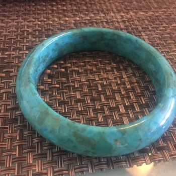 Identify what material and item Turquoise?