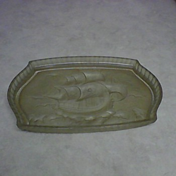 CONSOLIDATED GLASS COMPANY RELISH TRAY - Glassware