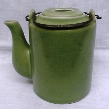 """Green Pottery 5"""" teapot w Wire Bail and 2 Holed Lid????Origin? - Kitchen"""