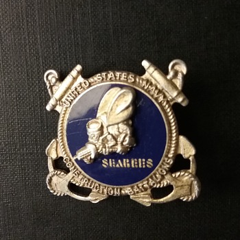 Sterling US Navy Seabees pin  - Military and Wartime