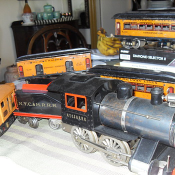 LIONEL TOY LOCOMOTIVE N.Y.C. & H.R.R.R. - Model Trains