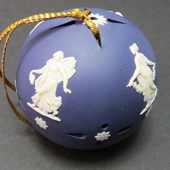 Wedgwood Jasperware Portland blue Pomander - China and Dinnerware