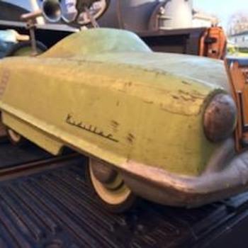 Kidillac peddle car - Model Cars