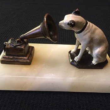 1910 RCA Victor Nipper desk paperweight - Advertising