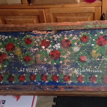 Help identify and date my early american folk art painted trunk. - Furniture