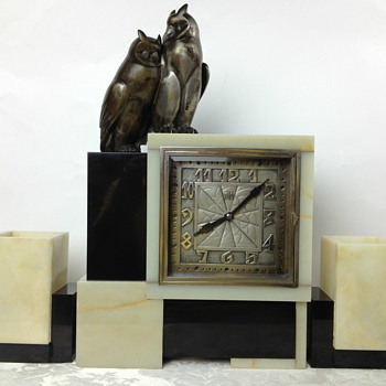 Original Leon Hatot ATO Art Deco Clock with Owl Finial and Matching Garnitures