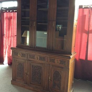 Locking hutch - Furniture