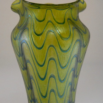Kralik Blue Wave on Gold, Early 20 century - Art Glass