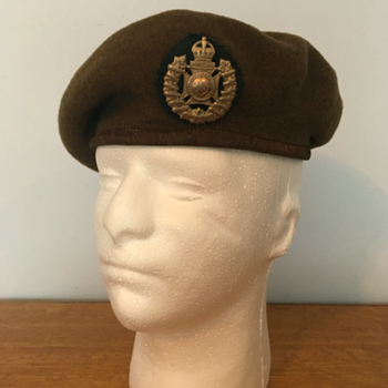 WWII Royal Winnipeg Rifles Beret  - Military and Wartime