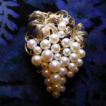 Vintage 18k gf Sterling Leaves and Pearl Grapes Brooch - Fine Jewelry