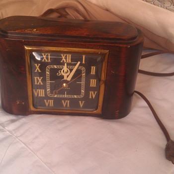 Vintage Sessions Mahogany Alarm Clock - Clocks