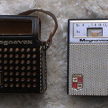 Magnavox AM62 Transistor Radio