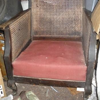 Sitting chair - Furniture