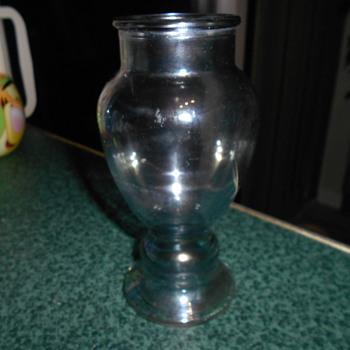 Lustre bud vase?
