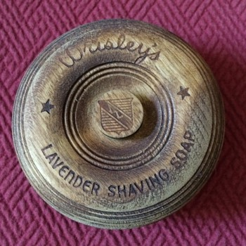 Vintage Wrisley's Lavender Shaving Soap Container - Accessories