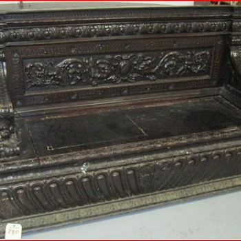 Kool carved bench - Furniture