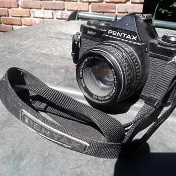 PENTAX 35mm film camera - Cameras