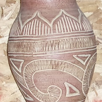 Vase hand turned  not sure if native american? - Pottery