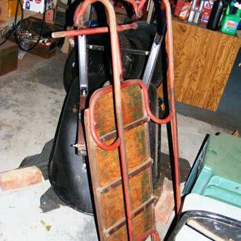 NEED HELP! 100+ YR OLD SNOW BOBSLED W/ STEEL TUBE RUNNERS, VERY OLD! - Sporting Goods