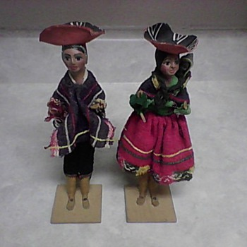 VINTAGE TOURIST DOLLS - Dolls