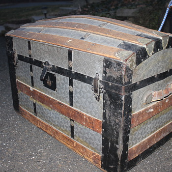 Trunk Front Clasps - Very interesting - Magic - Furniture