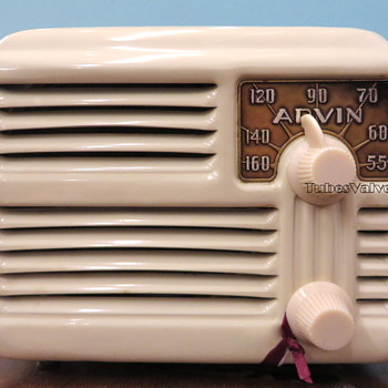 Arvin 444 Tube Valve radio - Radios