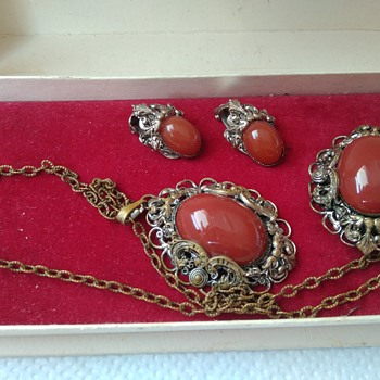 Vintage Czech Cabochon Glass set, Filigree Brasstone Metal - Costume Jewelry