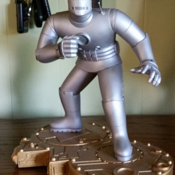 THE MIGHTY IRONMAN,GRAY VERSION - Figurines