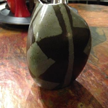 Mid Century Mod Vase? - Pottery