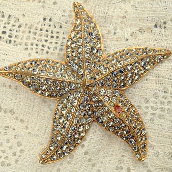 Vintage Signed Coro Starfish Brooch - Costume Jewelry