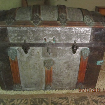 A Give away - Small Humpback Trunk - Furniture