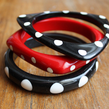 Polka dot bangles - vintage, or not? - Costume Jewelry