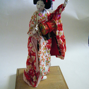 Beautiful doll I found in my parent's storage from my grandmother who lived in Japan. - Dolls